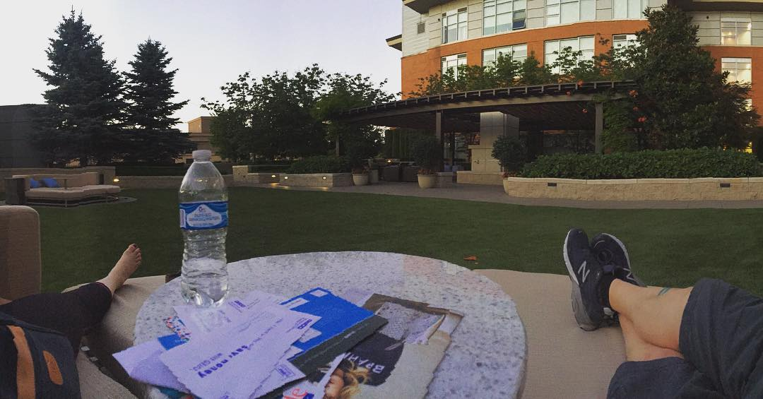 ahhhhh, magic hour on the terrace