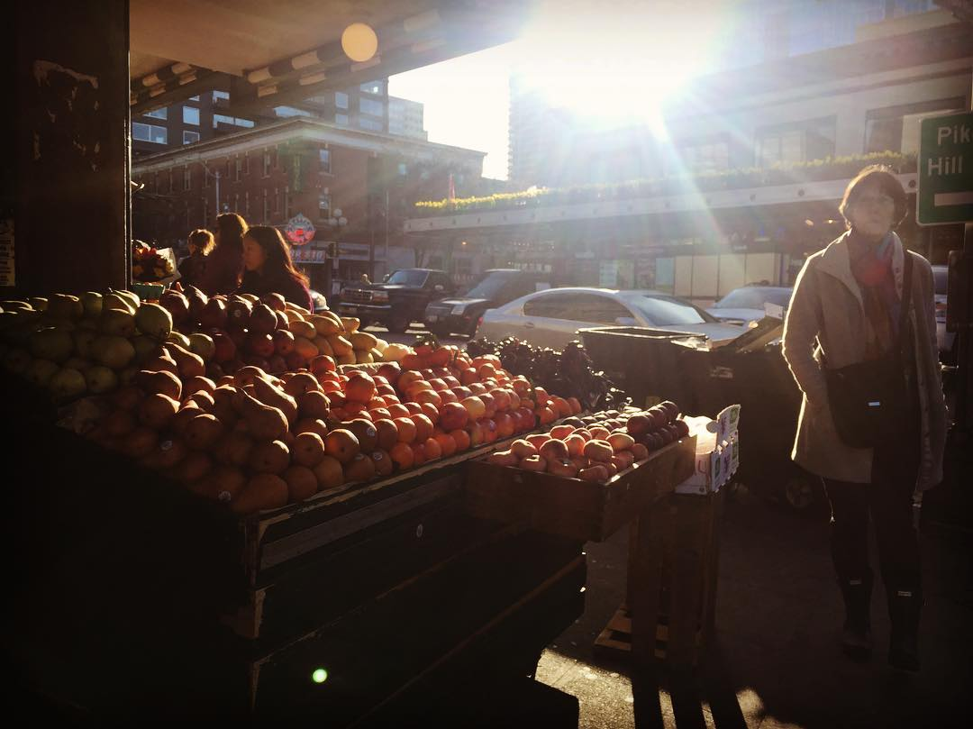 Morning at the Market, before the tourist horde.
