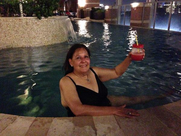 So glad Aunt Nunnie was able to stop by - to sample the margeritas and pool under the moonlight.